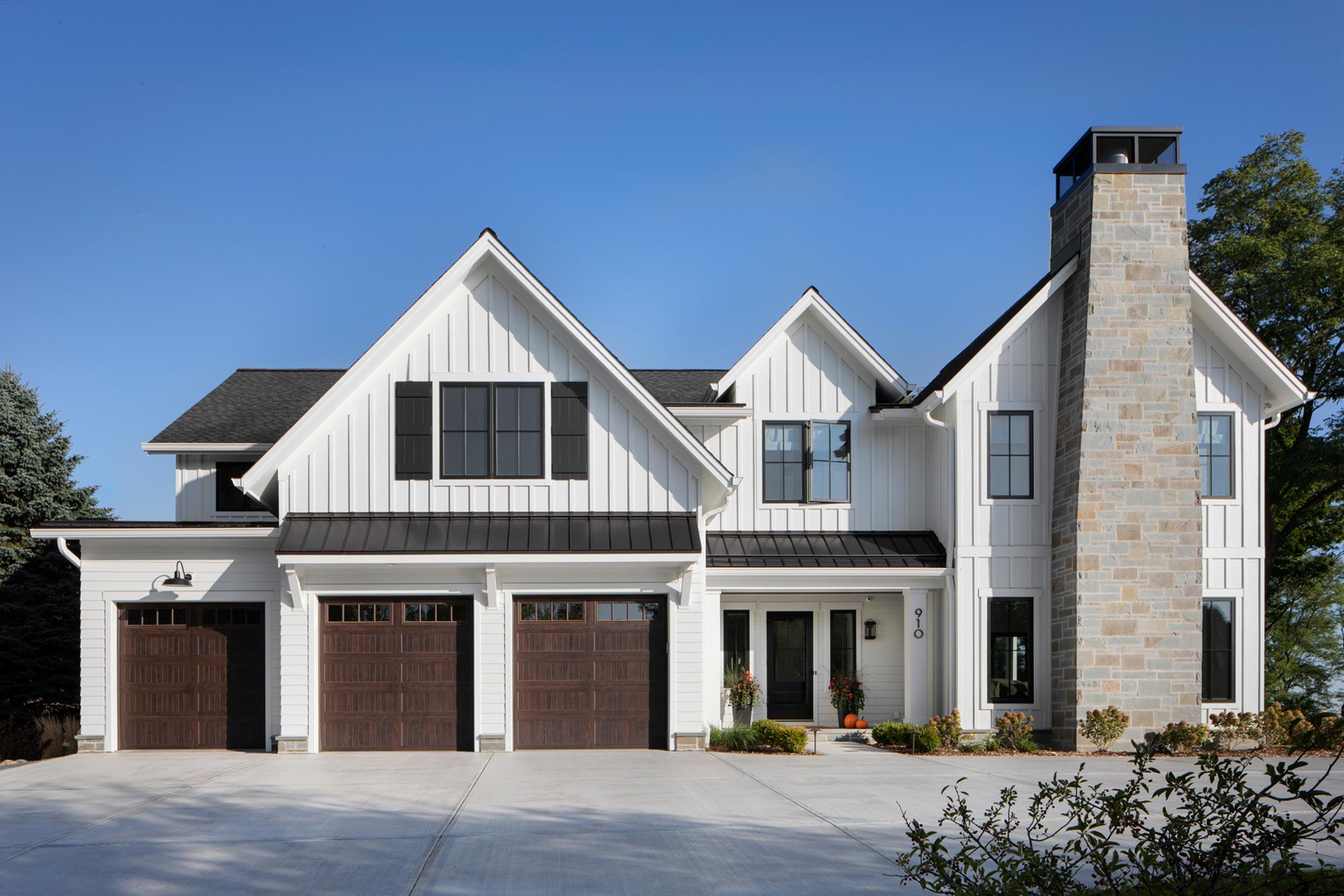 Custom Home Builder Milwaukee – Modern Farmhouse –New Construction